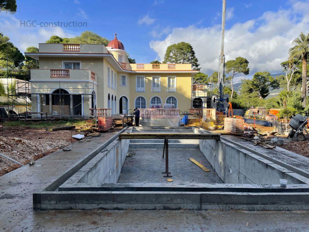 Фундаментальная основа при строительстве бассейна